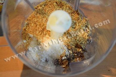 اضافه کردن خرما و پودر نارگیل