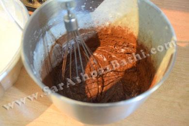 اضافه کردن پودر کاکائو به مایه