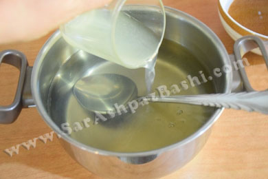 اضافه کردن گلاب و آب لیمو
