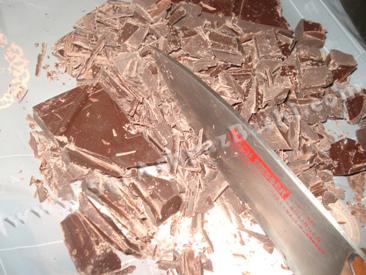 خرد کردن شکلات
