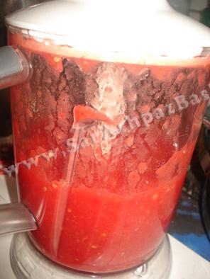 خرد کردن گوجه ها
