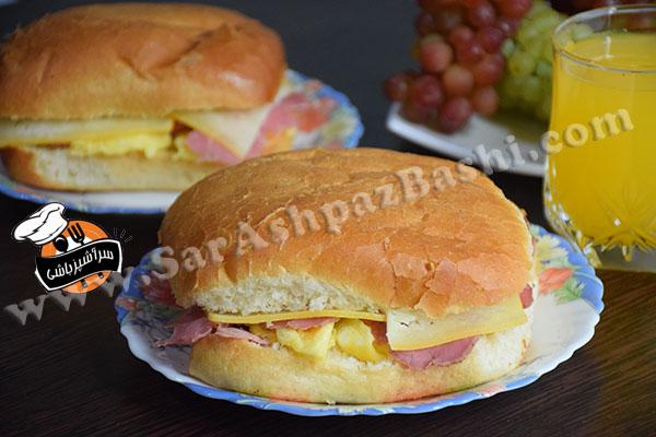 ساندویچ بیکن، تخم مرغ و پنیر (۲)