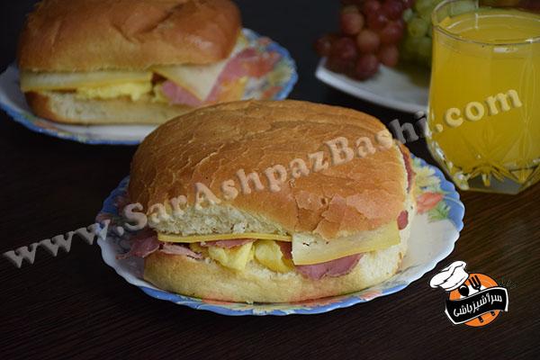 ساندویچ بیکن، تخم مرغ و پنیر