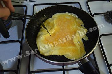 سرخ کردن تخم مرغ (۲)