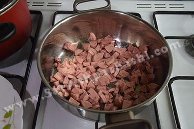 سرخ کردن سوسیس