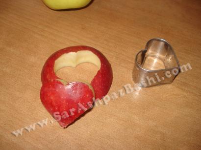 سیب قرمز قالب زده شده