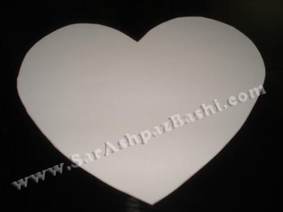طرح قلب روی کاغذ