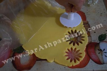 قالب زدن خمیر