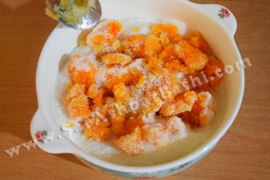 مخلوط کردن شکر و هویج