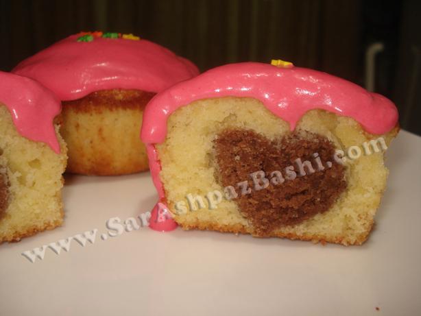 کاپ کیک با مغزی قلب