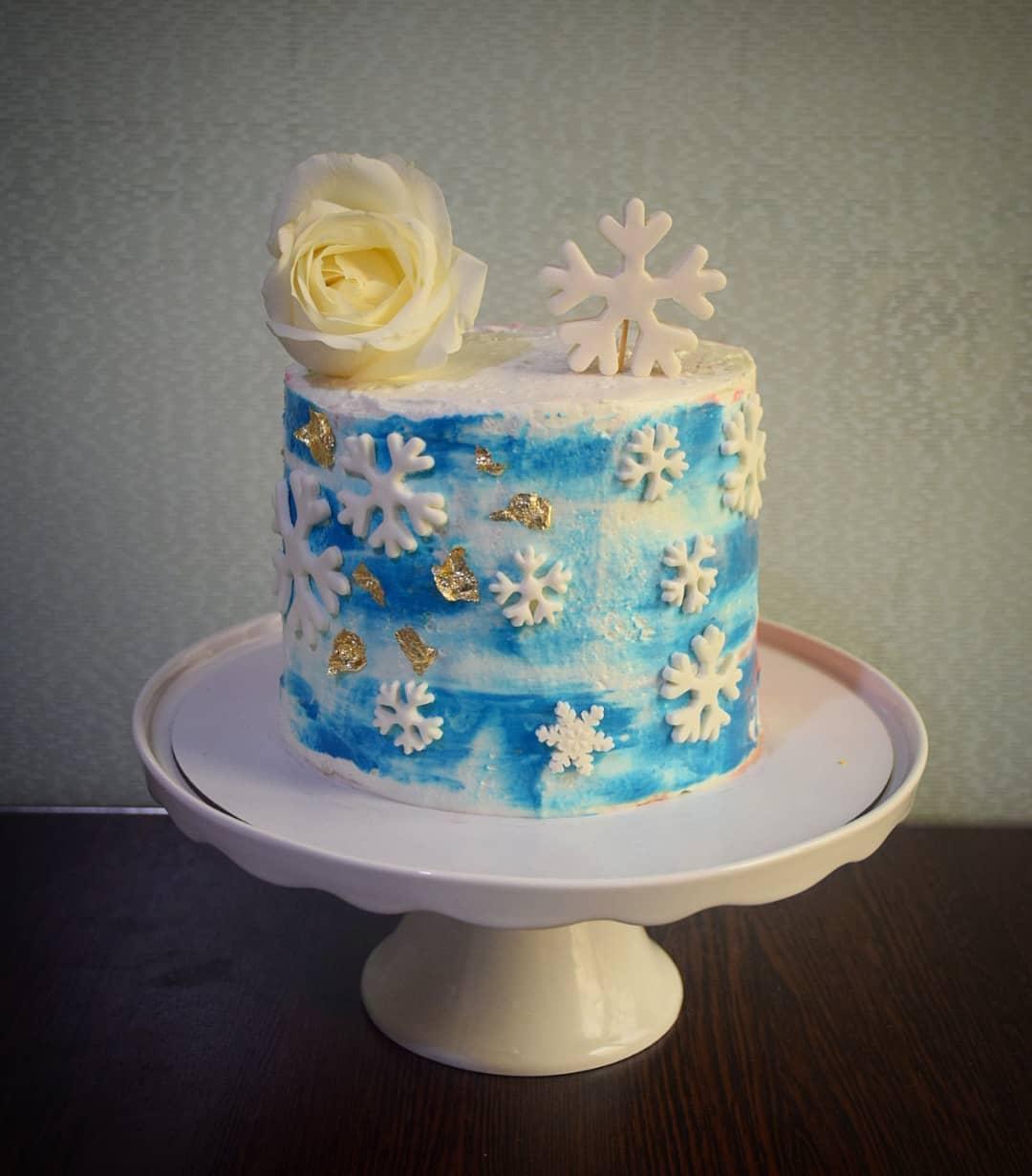 کیک آبی