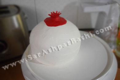 گذاشتن تاج روی کیک