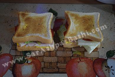 گذاشتن نان روی ساندویچ